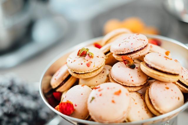 Пирожные макаруны