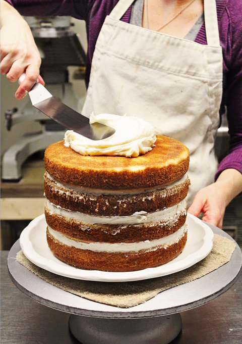 Процесс приготовления голого торта