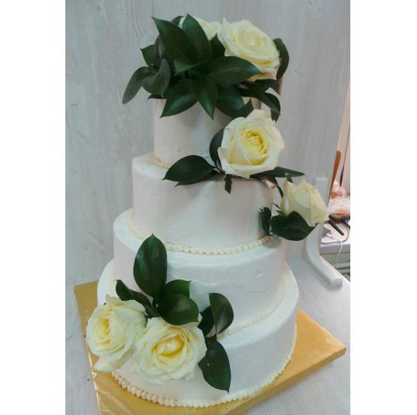 Свадебный торт весом 10 кг