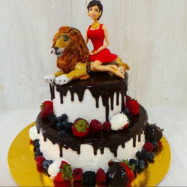Торт с ягодами и шоколадом 5 кг