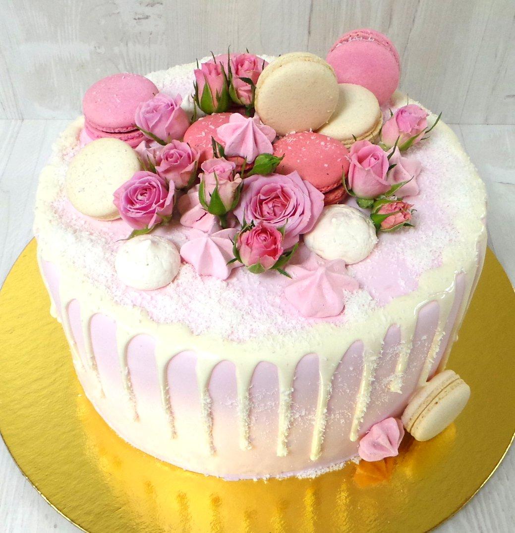 Розовый торт 3 кг